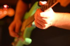 electric-guitar-566096_1920